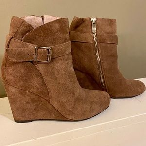 Vince Camuto suede booties. Size 5 1/2